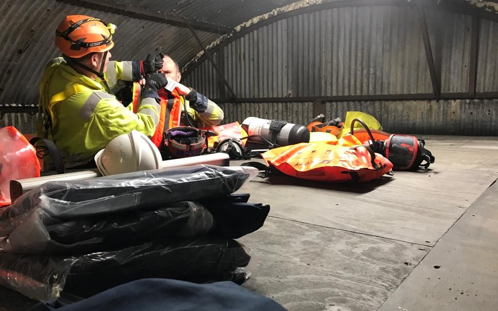 https://sasafety.co.uk/wp-content/uploads/confined-space-training-3-2020-02-05-1024x640.jpeg